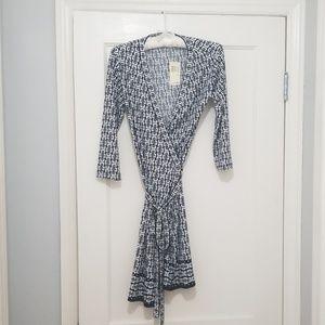 MAX Studio black and white wrap dress Size Small